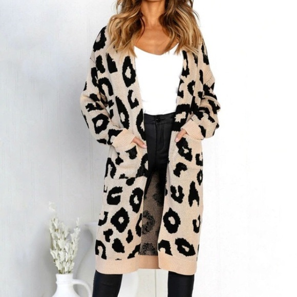 🐆1 MEDIUM LEFT CA Leopard Cardigan Sweater 13b18bd7b